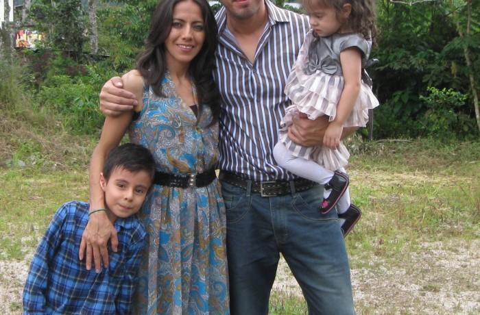 AYRALA, Alejandro y Lorena